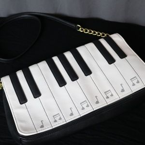 Betsey Johnson Piano Purse (without sound)